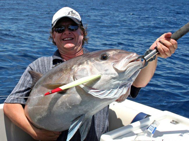 Steve Correia with 24kg Samsonfish